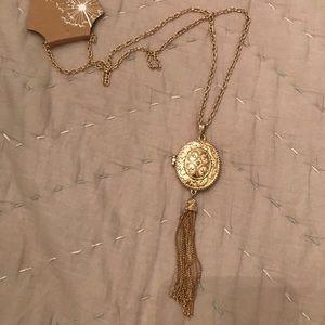 Gold Tone Fashion Locket Necklace